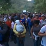 Avanza Caravana Migrante Hacia Guatemala Hondureños