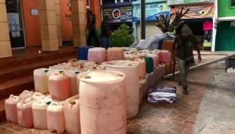 Chilpancingo: Detienen a 4 con 100 garrafas de gasolina
