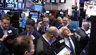Foto: Comerciantes trabajan en el piso de la Bolsa de Nueva York (NYSE), 30 de enero de 2019 (Reuters)