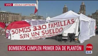 Bomberos CDMX cumplen un día de plantón en el Zócalo