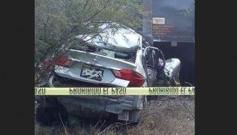 Foto: Tren arrastra vehículo en Tamaulipas, 30 de enero 2019. (www.tribuna.com.mx)