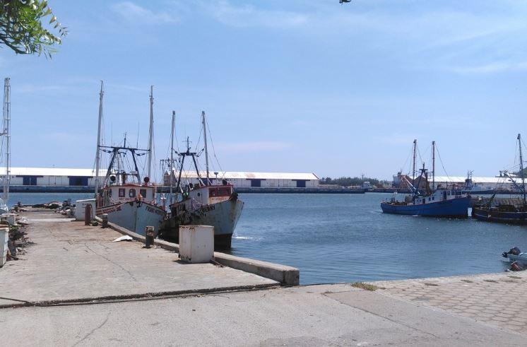 Cierran puertos en Oaxaca por fuertes vientos.