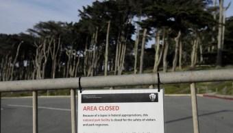 Cierre gobierno EU afecta diez departamentos y parques nacionales