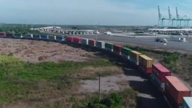 Sin acuerdo, gobierno de Michoacán y CNTE, para liberar vías férreas
