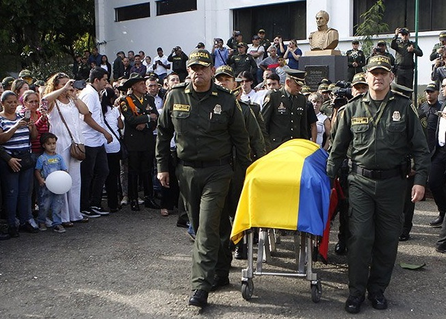 Un juez de Colombia ordena captura de líderes del ELN por atentado contra la policía, 26 de enero de 2019 (Twitter: @noticias24)