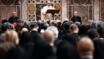 El papa Francisco califica abusos a menores de crimen vil