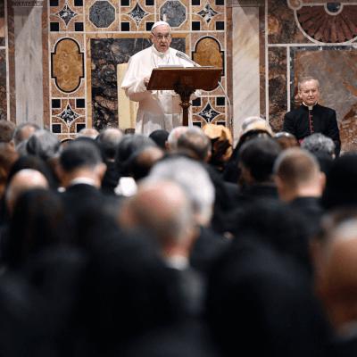 El papa Francisco califica abusos a menores como 'crimen vil'