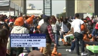 Familias Capitalinas Disfrutan Pista De Hielo En El Monumento A La Revolución, Familias Capitalinas, Pista De Hielo, Monumento A La Revolución,