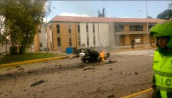Estalla carro bomba en escuela de Policía en Bogotá