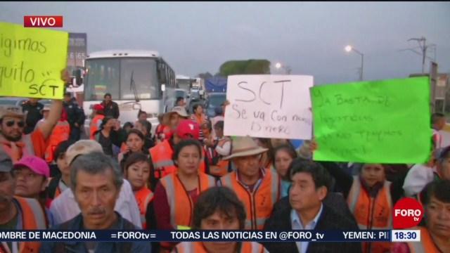Extrabajadores del NAIM protestan por falta de pagos