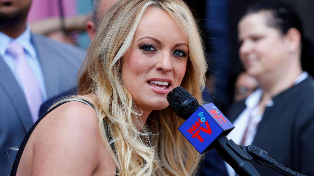Actriz Porno Decibe actriz porno hará programa en ropa interior durante discurso