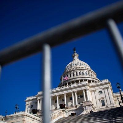Senado debate propuesta de Trump para acabar cierre de Gobierno
