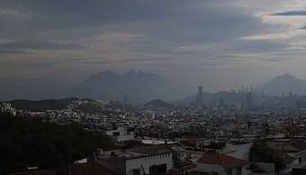 Activan contingencia ambiental en Guadalajara y Monterrey