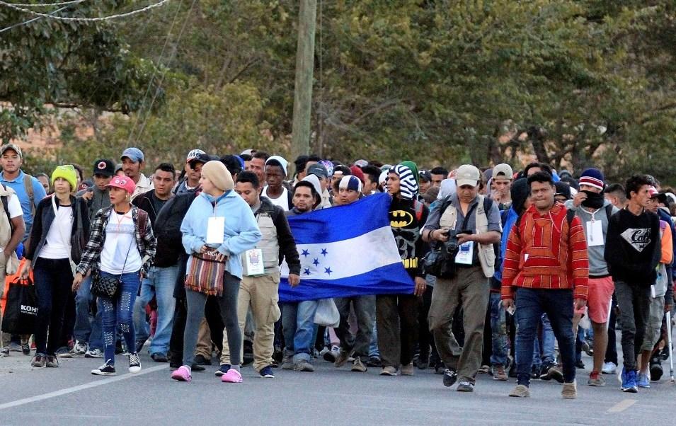 Honduras impide salir a 354 integrantes de caravana migrante