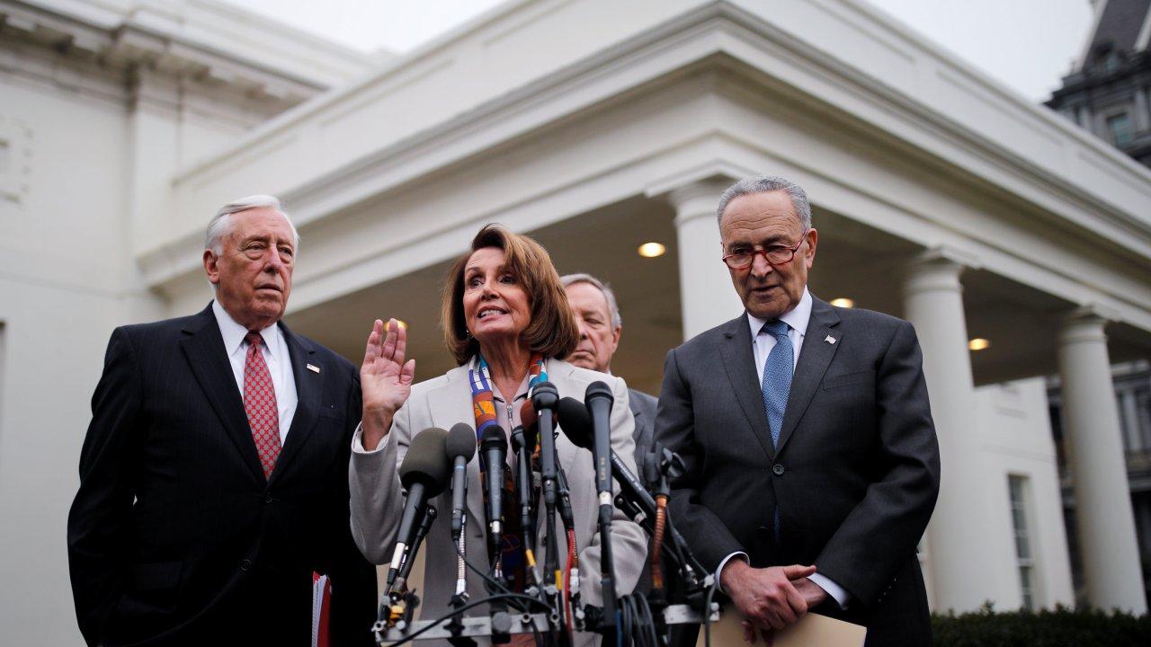 Demócratas piden a Trump reabrir Gobierno