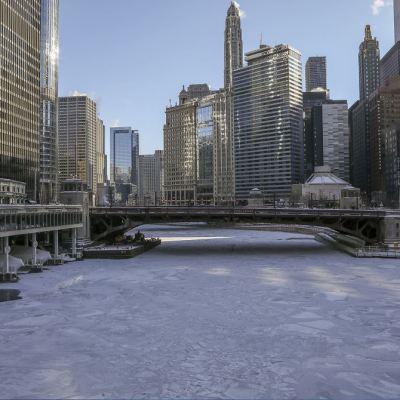 Suman 6 muertos por ola de frío extremo en Estados Unidos