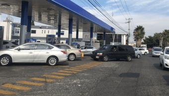 Alfaro pide a Pemex dar la cara por desabasto de combustibles