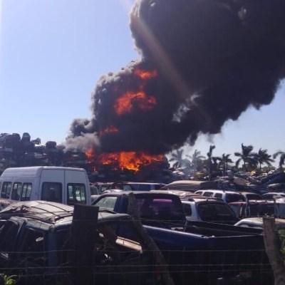 Se registra incendio en corralón federal de Altamira, Tamaulipas