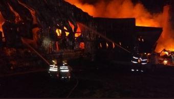 incendio consume fabrica de procesamiento de alimentos en jalisco