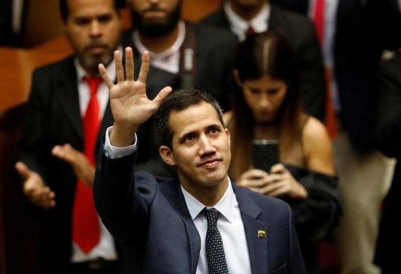 Congreso de Venezuela califica a Maduro de usurpador