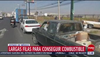 Largas filas para conseguir combustible en Toluca, Edomex