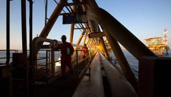 Foto: Vista desde una plataforma petrolera de Pemex en Ciudad del Carmen, México, 28 de marzo de 2014, (Archivo/Getty Images)