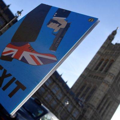 Solo 22 por ciento de los británicos respalda acuerdo de May para Brexit