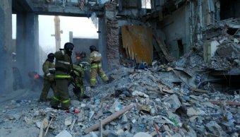 suman 38 muertos por derrumbe de edificio en rusia