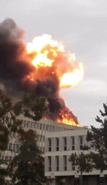explosion en universidad de lyon deja un herido