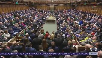 Theresa May podría ser destituida tras rechazo legislativo al Brexit