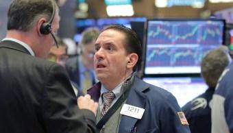Foto: Comerciantes trabajan en el piso de la NYSE en Nueva York., 28 de enero de 2019 (Reuters)