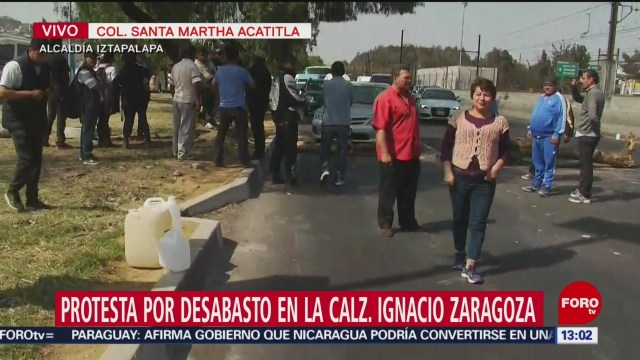 Transportistas abren carril en Av. Ignacio Zaragoza