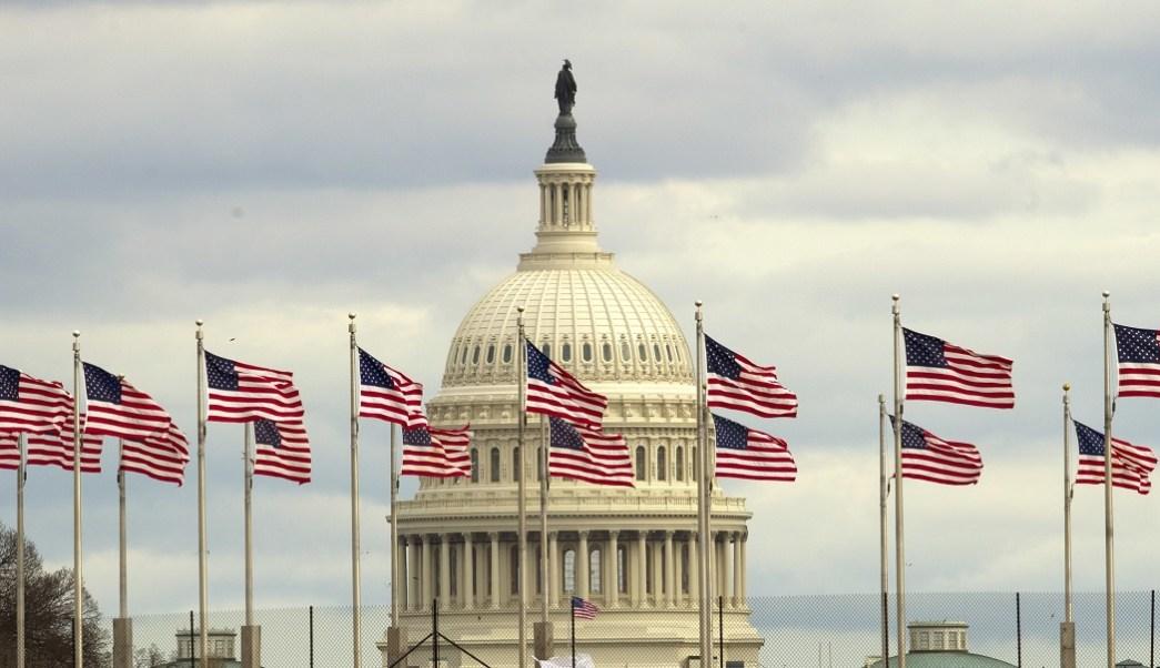 Trump invita a la Casa Blanca a líderes del Congreso