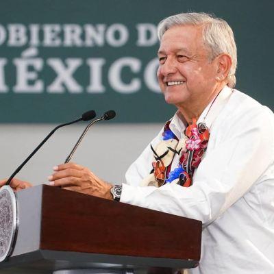 AMLO presenta programa Becas 'Benito Juárez' para niños y jóvenes