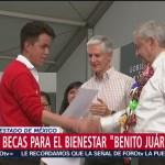AMLO entrega becas 'Benito Juárez' en Tejupilco, Edomex