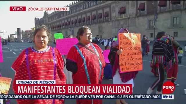 Artesanos indígenas protestan en el Zócalo capitalino