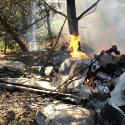Desplome de avioneta causa 2 muertos en Atizapán, Edomex