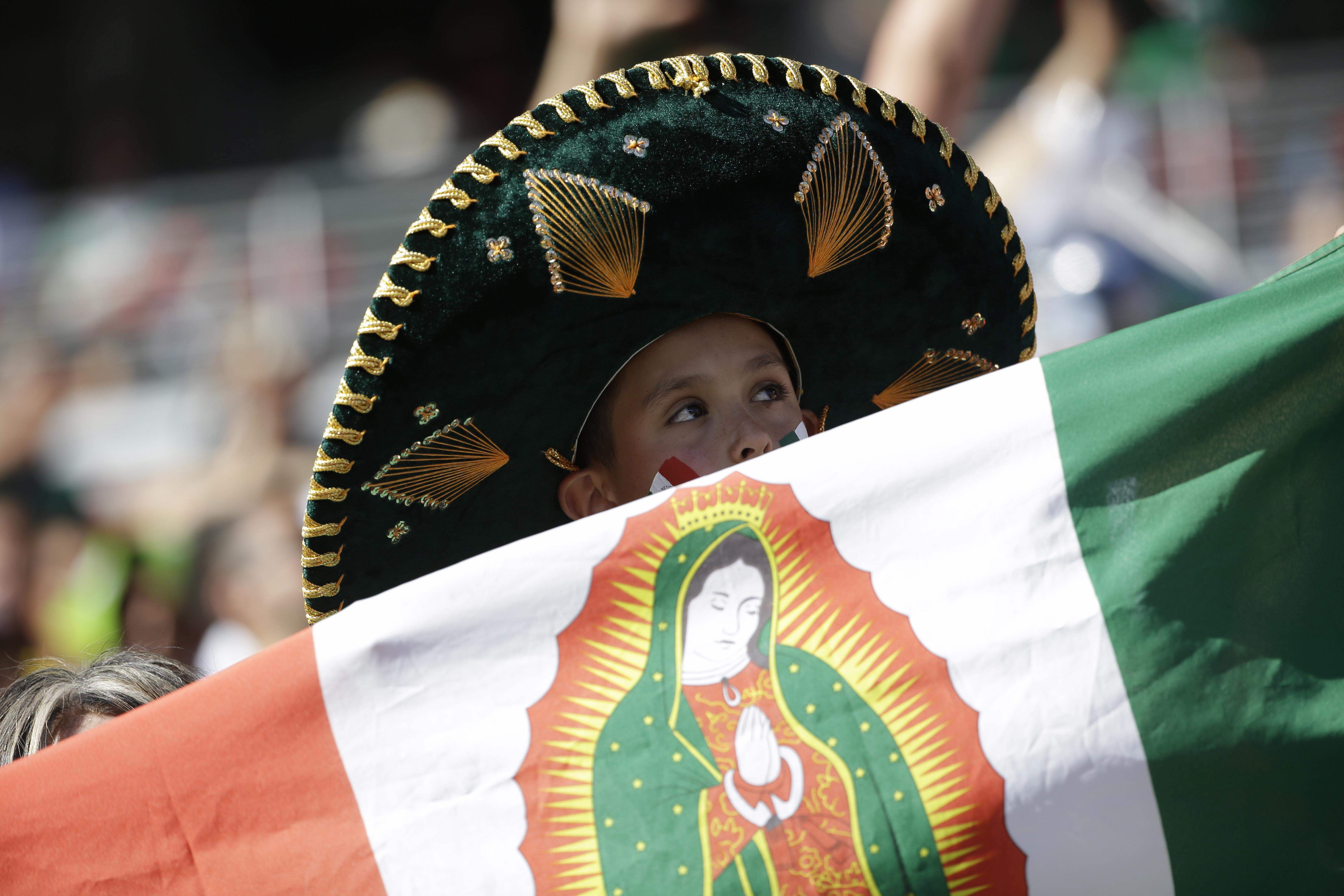 bandera-mexico-virgen-guadalupe