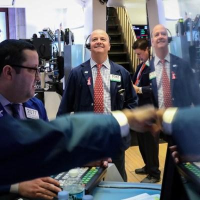 Wall Street cierra mixto y el Dow Jones baja 0.21%