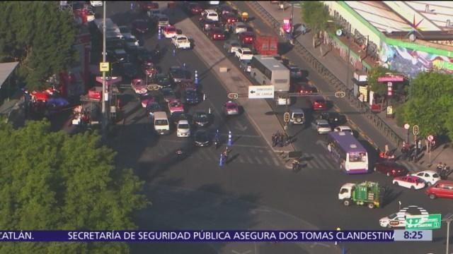 Caos vehicular en Avenida Chapultec por carril reversible