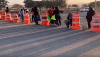 Foto: Comuneros de Navajas bloquean carretera