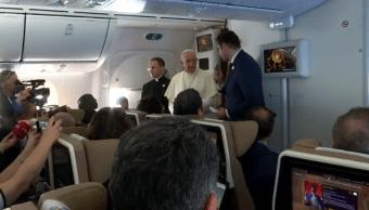 Foto: El papa Francisco en el avió papal con reporteros, 5 de febrero 2019, Avión Papal