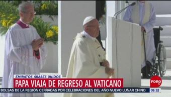 El papa oficia misa multitudinaria en Emiratos Árabes