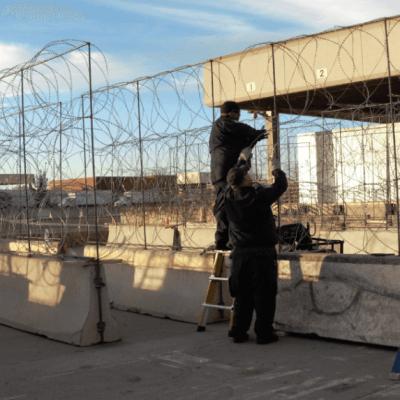Instalan alambre de púas en puentes fronterizos de El Paso