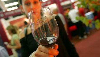 Esto es lo que pasa al beber una copa de vino cada noche