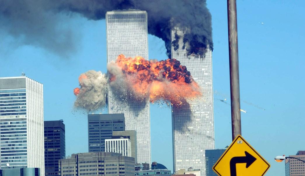 Foto: Una explosión sacudió el World Trade Center después de ser golpeado por dos aviones el 11 de septiembre de 2001 en la ciudad de Nueva York, EEUU