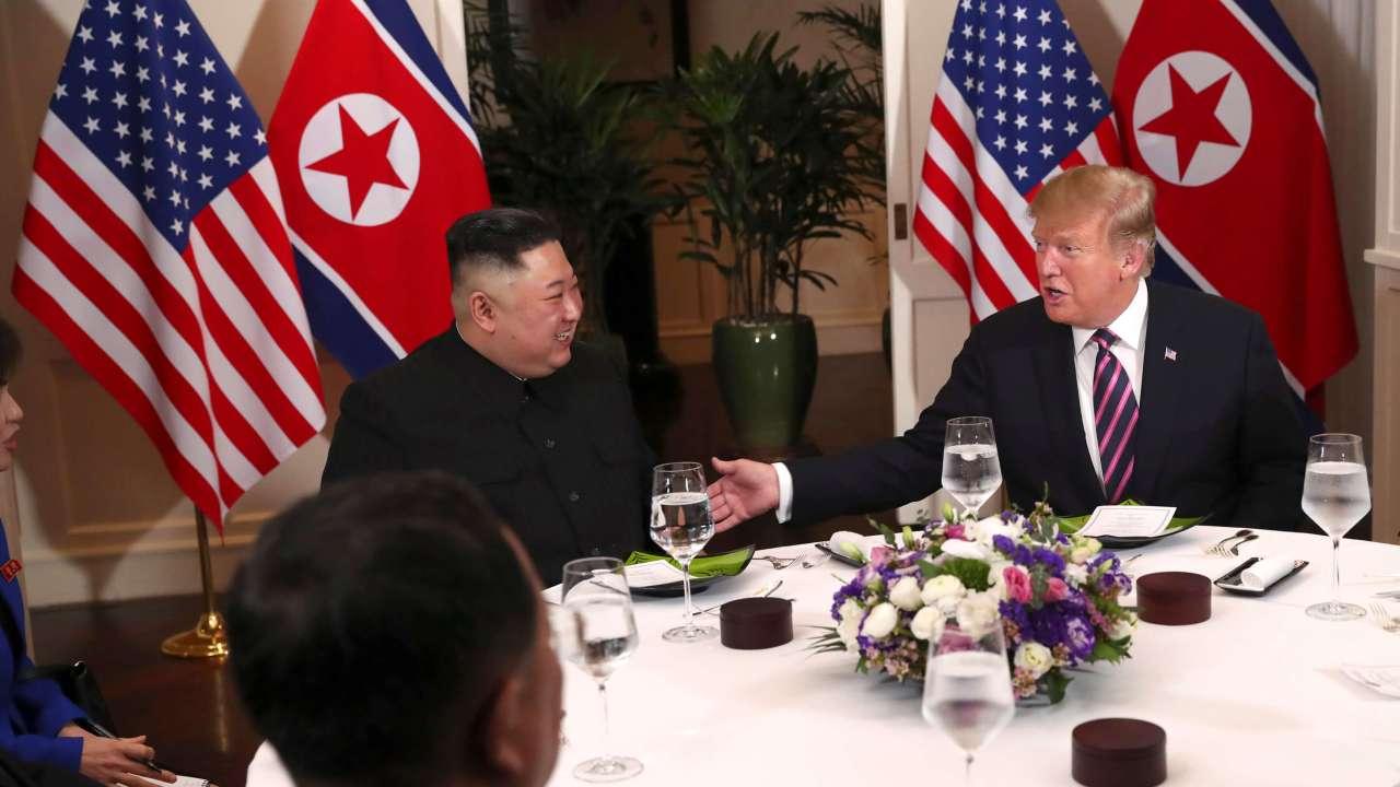 Foto: El presidente de Estados Unidos, Donald Trump, se reúne con el líder norcoreano, Kim Jong-un, en Hanoi, Vietnam el 27 de febrero de 2019