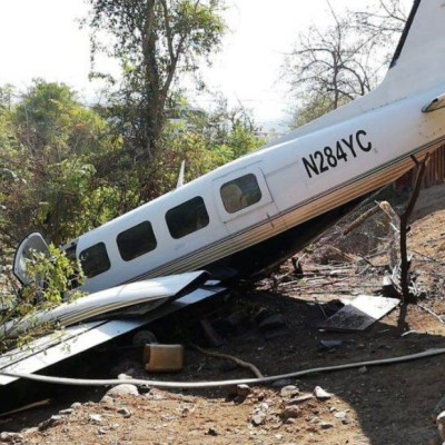 Narcoavioneta se estrella en pista clandestina en Guatemala