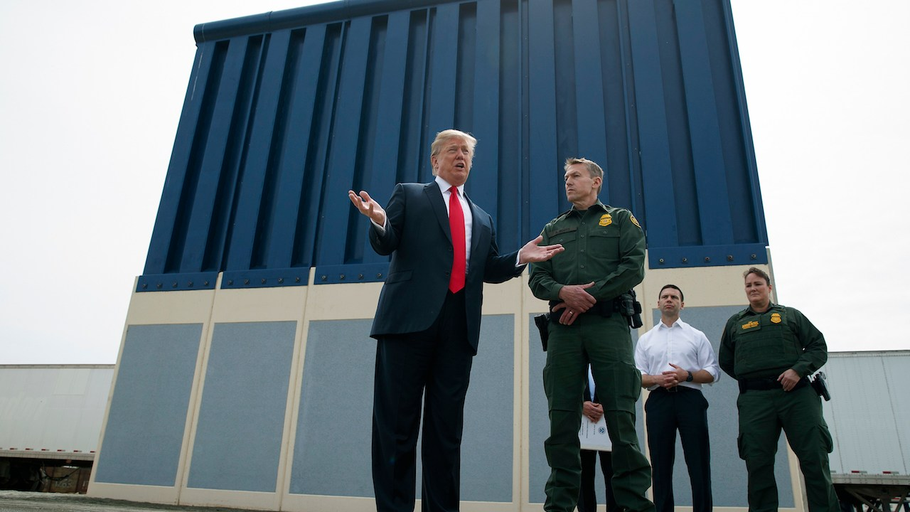 Donald-Trump-muro-fronterizo-prototipos-derriban