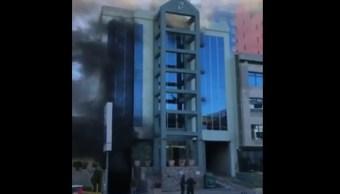Foto: Hombre se lanza de quinto piso en Tijuana, 22 de febrero 2019. Twitter @canal12tijuana